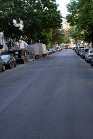 Seltenes Bild: Tegler Straße ohne Stau