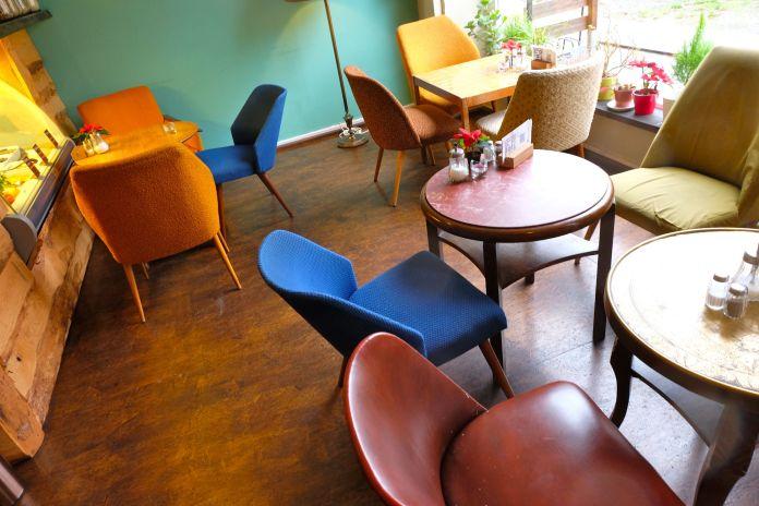 Hier endet mein Gang ums Carre: Das Flop-Cafe. Syrisch und sehr nett